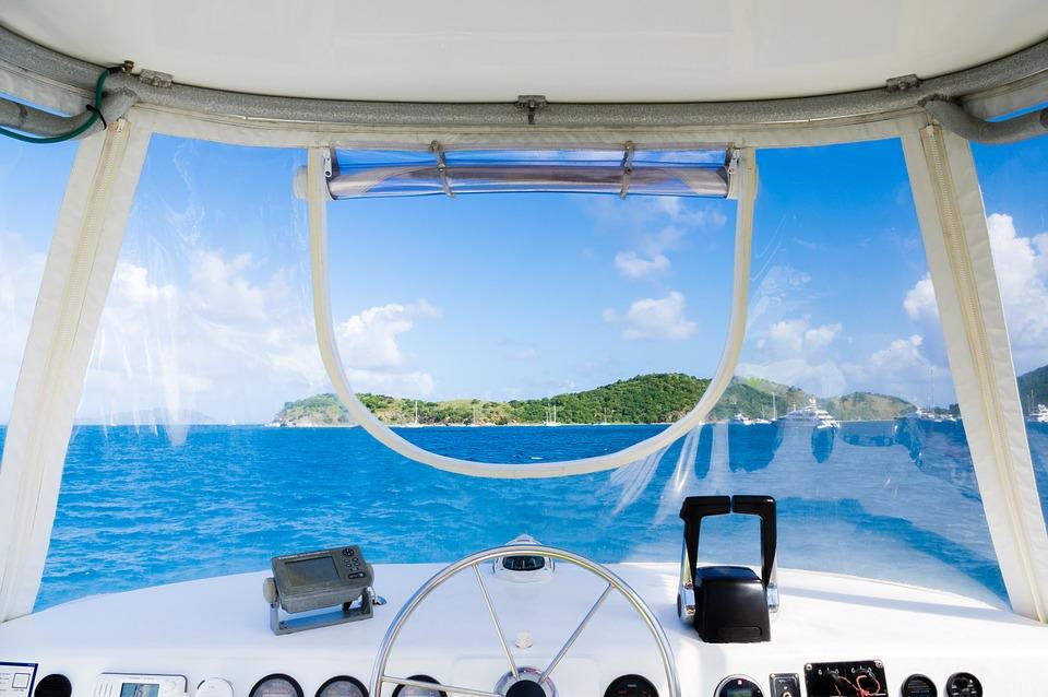 Ekspert tips til at hjælpe dig med at leje en yacht